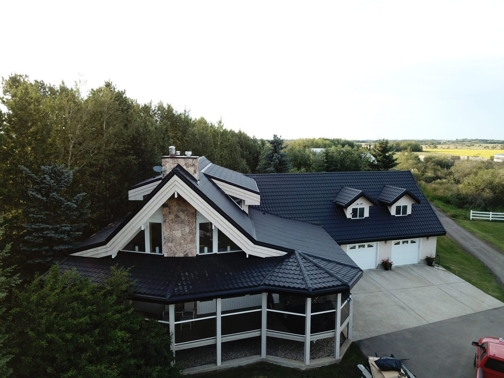 leduc_metal_roof