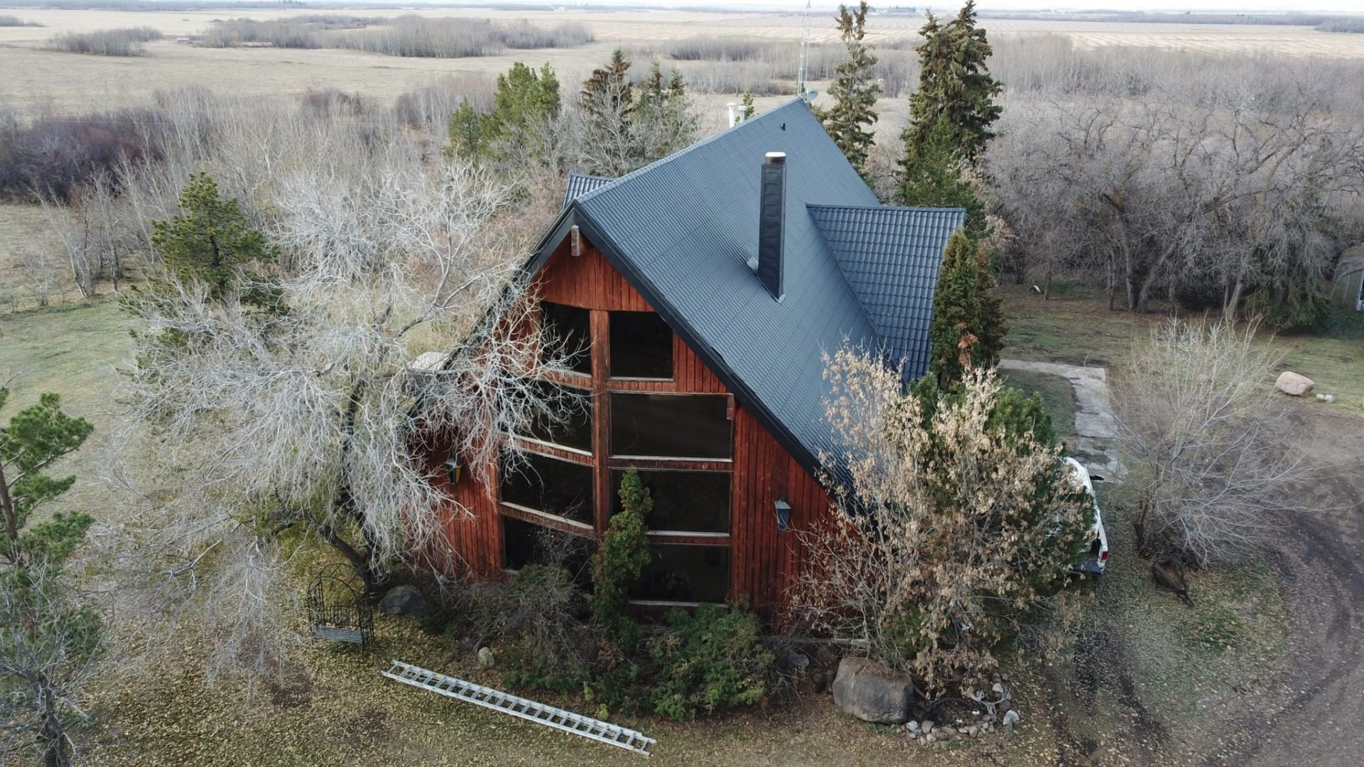 metal-roof-cabin
